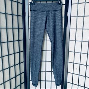 Lululemon wunder under gray knit leggings sz 6
